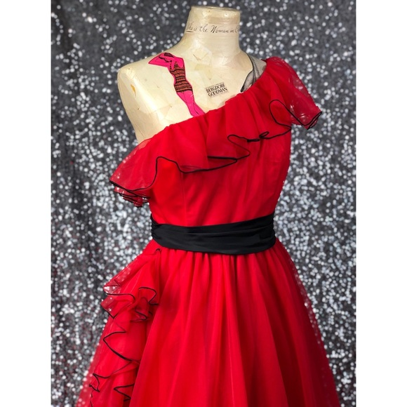 Dresses & Skirts - 🖤 Vintage 1980s red one shoulder ball gown